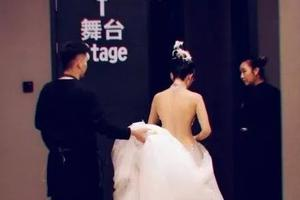 杨丽萍为了跳舞离婚,拒绝生孩子,削掉6根肋骨…