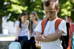 """""""不要再欺?#20309;遙 ?孩子在学校总吃亏,原因其实在父母?"""