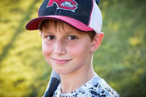 美国10岁男孩滑水被削头 家人起诉水上乐园被驳回