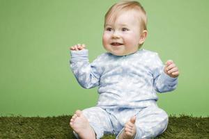 宝宝手指上长倒刺是什么原因呢?是缺乏维生素吗?