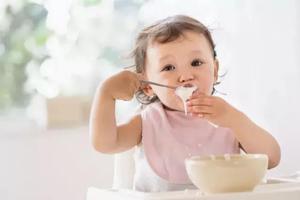 吃饭的时候应该对孩子这样养育
