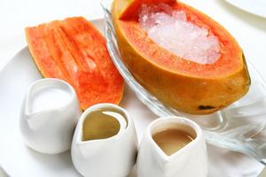 木瓜、雪蛤、蜂王浆、豆浆?#30830;?#33016;食物都是胡吹