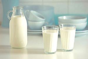 小学生未定牛奶被罚站?河南扶沟教体局回应