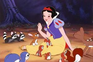 英女子为女征保姆:年薪35万 工作时扮迪士尼公主