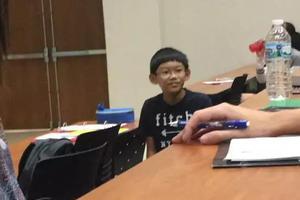 11岁天才华裔少年轰动全美 碾压一票美大学生