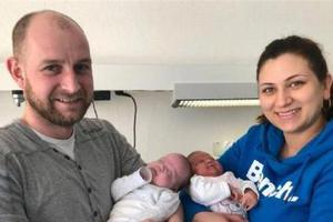 德国一对双胞胎相隔97天出生 或破世界纪录