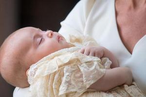 英国威廉王子公开小儿子?#26085;?庆祝其1岁生日(图)