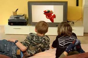 看电视是在做早教吗?#31185;?#23454;是在伤害孩子的大脑……
