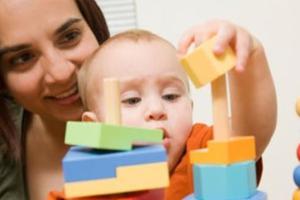 对宝宝进行感官训练 开发孩子智力小绝招