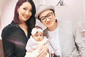 王祖蓝跟妈妈样貌相似 另女儿思维混乱表情迷惘