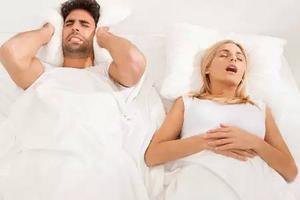 研究称女性打呼噜易得癌