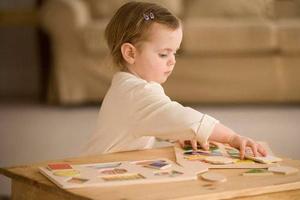 请别剥夺宝宝精细运动功能发育的权利