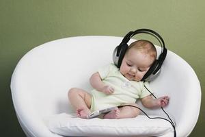 给早产儿听音乐促进发育