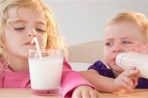 宝宝出现牛奶过敏时需要怎样护理及治疗?