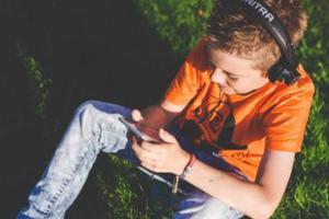 知心姐姐卢勤:不想孩子沉迷手机,家长一定要做到这3点!