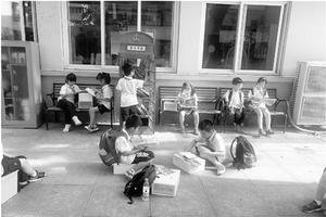 杭州一小学推轻声教育:老师放下扩音器换掉高跟鞋