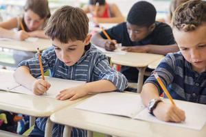 小学等级制评定引家长私问老师成绩 说不说成难题