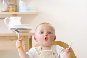 """三岁掌握上千词汇 如何让宝宝""""能说会道""""?"""