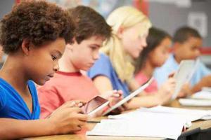 评论:网络素养教育是防沉迷良方 仅依靠技术是不行的