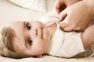 寶寶臉上出現疙瘩需要怎樣治療?