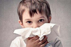 宝宝流鼻血的原因有哪些及怎样止血?