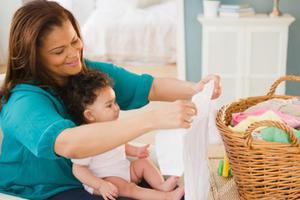 宝宝屁股总有小红疙瘩是洗衣物时洗涤剂用多了吗
