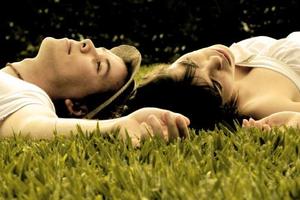 英研究说早产儿不易建立恋爱关系