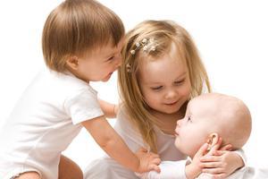 宝宝出现打嗝时 需要怎样治疗?