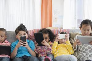 心理落差大于年龄差:青春期闯进二孩家庭