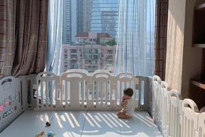 """张歆艺与儿子分隔两地 称宝宝哭成""""猪叫""""很不舍"""
