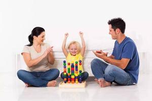 夸孩子的5条黄金法则,你做到几条?