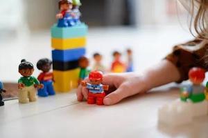 孩子总是舍不得扔东西是心理问题吗?