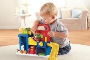 如何结合宝宝生长发育规律来选择玩具?