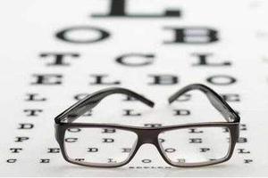 专家提醒保护儿童视力需把握三个时间点