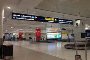10岁女童成悉尼机场第10亿旅客 获赠未来一年机票