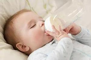 秋天宝宝断奶正当时,科学断奶宝妈应该怎么做?