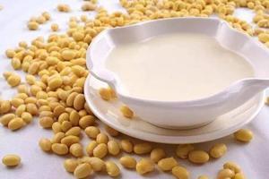 豆浆喝多了容易乳腺增生吗?