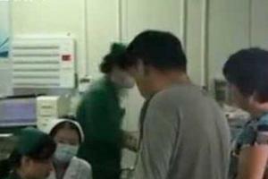 10岁男童吃野蘑菇中毒致肝衰竭 母亲割肝救子