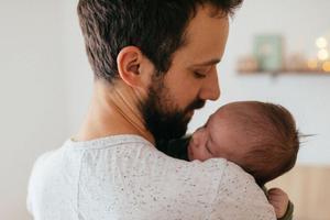 男性也有最佳生育年龄?专家建议最晚不超过35岁