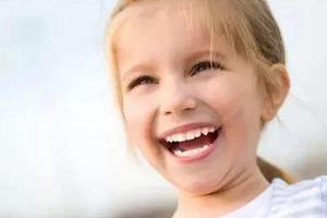 宝宝牙齿黑色斑点如何处理才合适?