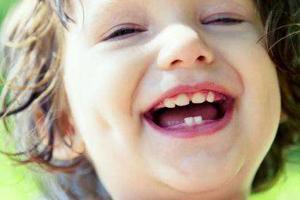 调查:73%的5岁农村孩子有蛀牙