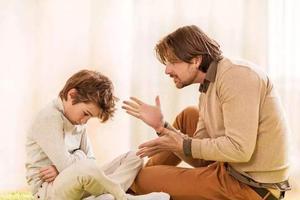 教育孩子应当先纠正家长的言行