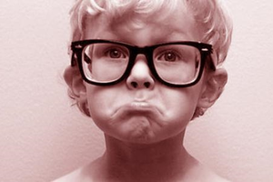 孩子近视后再户外活动有用吗?护眼灯能护眼吗?都是NO