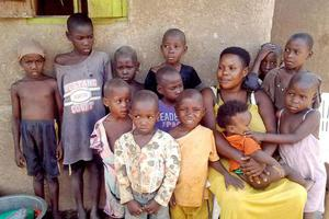乌干达一女子36岁已生下44个孩子 切除子宫避孕