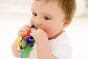 宝宝长牙啦 牙棒牙胶怎么选?