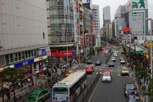 日本东京一车辆撞上多名幼儿园师生 7人受伤送医