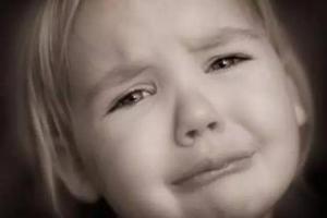 宝宝的兴奋和哭闹可能源于它