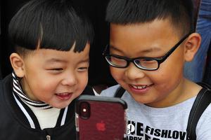 缺少陪伴的孩子容易患游戏障碍病