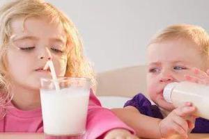 千万不要破坏了宝宝的辅食初体验