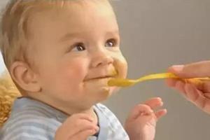 宝宝喂药 试试这些技巧(呕吐怎么补服)